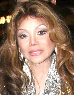 Celebrity cosmetic surgery : plastic surgery : facelift : too much plastic surgery : pinched nose