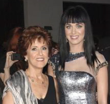 Katy Perry's mom got a facelift, Katy Perry plastic surgery, Katy Perry breast implants, celebrity plastic surgery, celebrity cosmetic surgery, entertainment, celebrities, beauty
