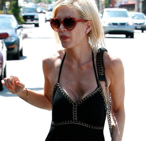 Tori Spelling weight loss, tori spelling too thin, tori spelling plastic surgery, celebrity plastic surgery, celebrity gossip, celebrity cosmetic surgery, breast implants