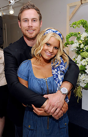 Jessica Simpson gets engaged, Jessica Simpson plastic surgery, MAS